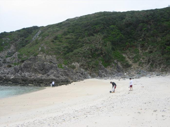 okinawa_beachclean