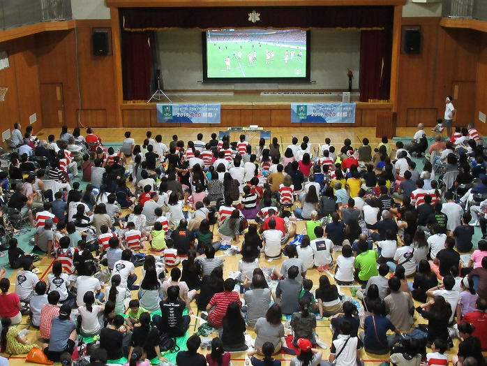 1020_publicviewing_01.jpg