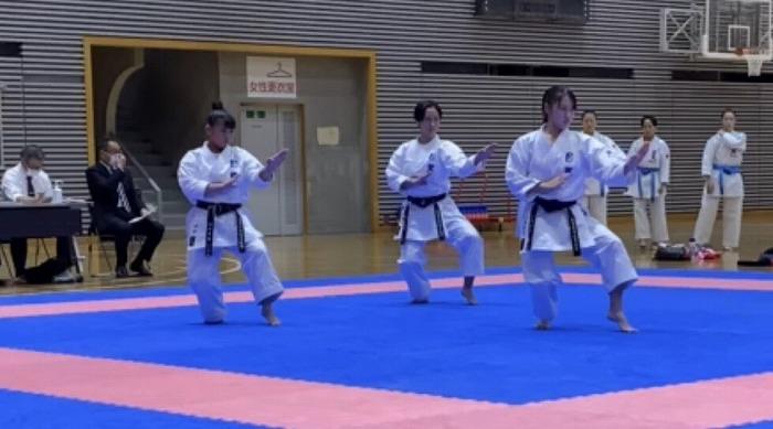 high_r021101_karateclub_06