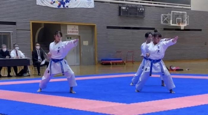 high_r021101_karateclub_07