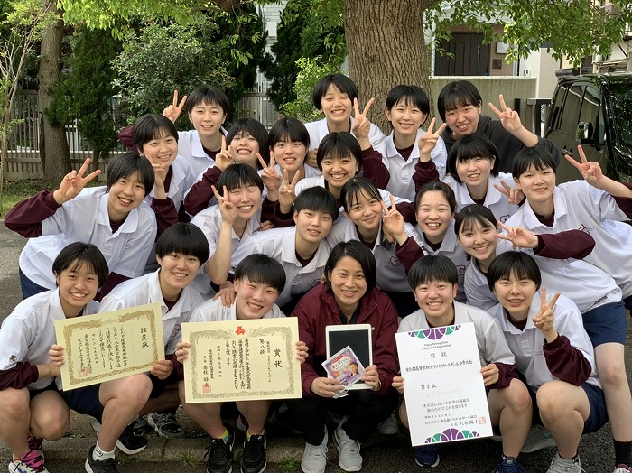 h_basketball_girl_team_1